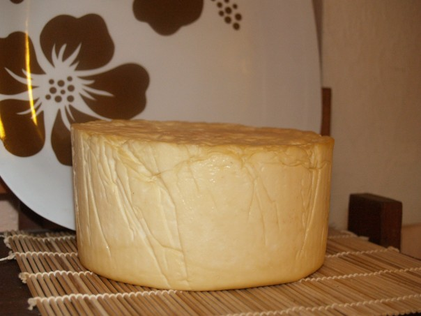 A nice looking final smoked Caerphilly.  now to let it age another 2 weeks