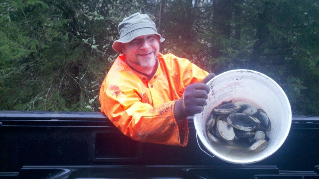 Even with mud and rain it is clamming with a smile