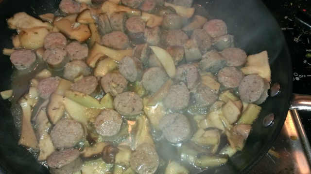 Sausage, mushrooms and garlic sautee